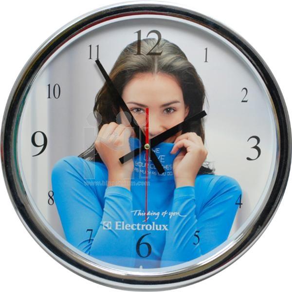 นาฬิกาแขวนผนังทรงกลมใหญ่ 16 นิ้ว ขอบพลาสติก