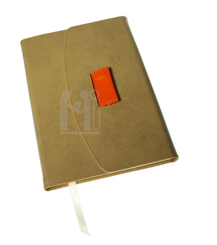 สมุดบันทึกไดอารี่ปกหนังเทียมพร้อมช่องสอดเก็บปากกา