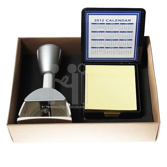 ชุดกล่องกิฟต์เซ็ตแม็กเย็บกระดาษและโพสต์อิท สีเงิน