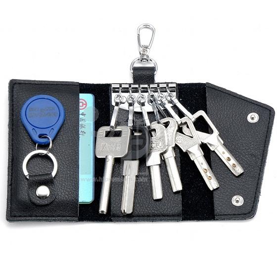 กระเป๋าซองหนังใส่พวงกุญแจและบัตร