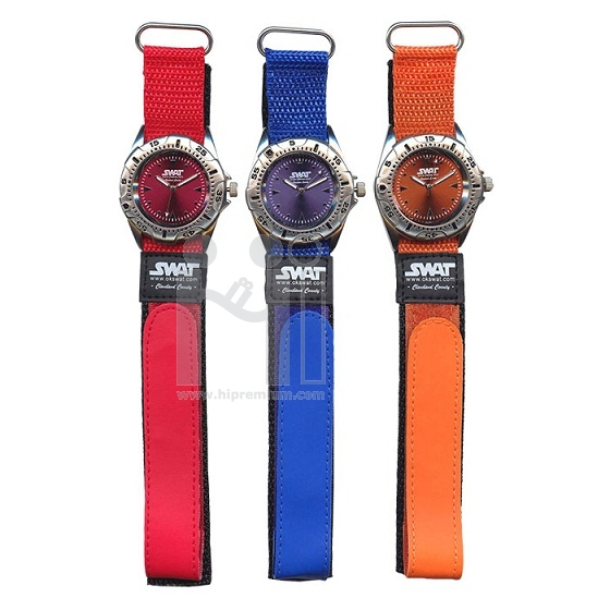 นาฬิกาข้อมือสายผ้า