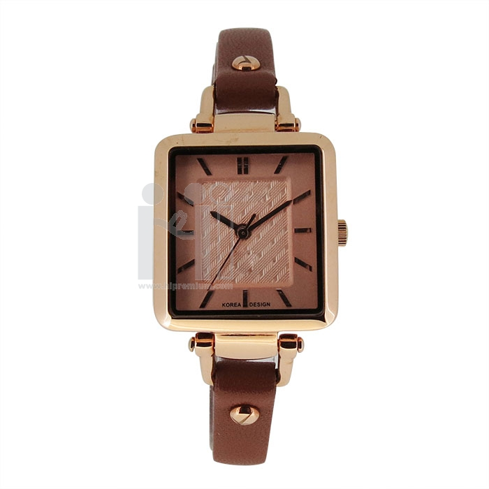 นาฬิกาข้อมือสายหนังเทียม