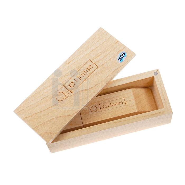 กล่องไม้ใส่แฟลชไดร์ฟ