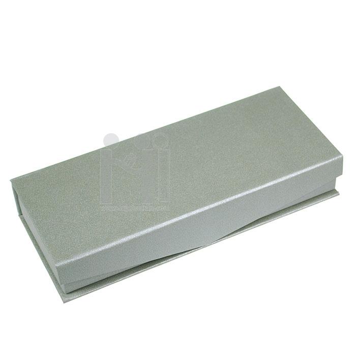 กล่องเซ็ตใส่ปากกาและพวงกุญแจ<br>หรือสั่งไดคัทด้านในตามต้องการ