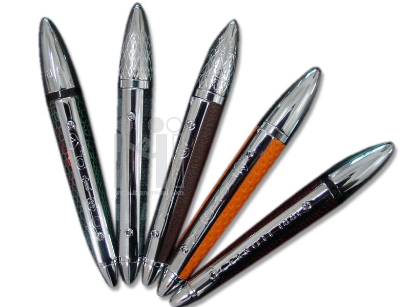 ปากกาโลหะ ด้ามหนัง