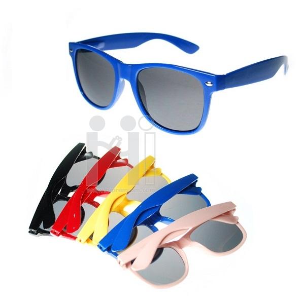 แว่นตากันแดด แว่นกันแดดสั่งตัดเลนส์ใหม่ สกรีนโลโก้