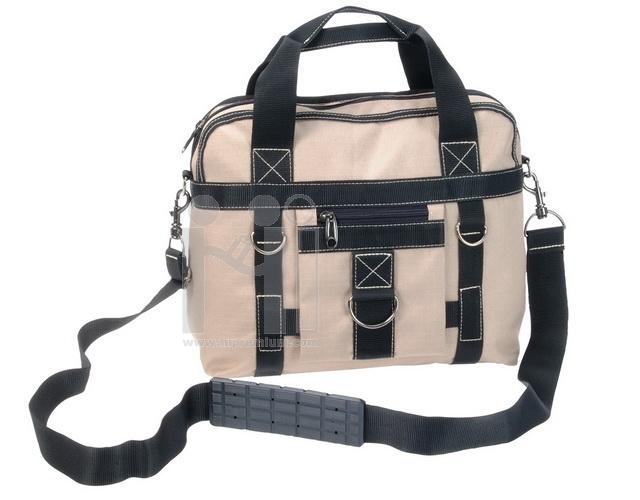 กระเป๋าถือ หรือสะพายข้าง